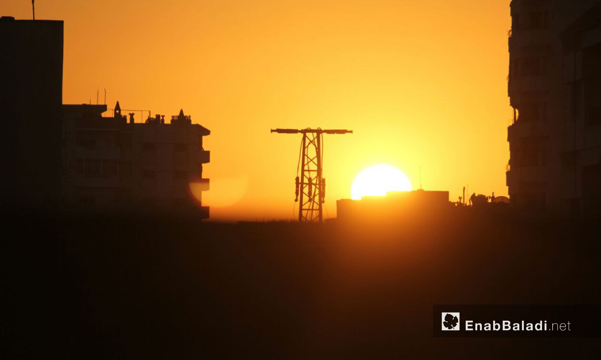لحظات الغروب في حي الوعر مدينة حمص - 2 شباط 2017 (عنب بلدي)