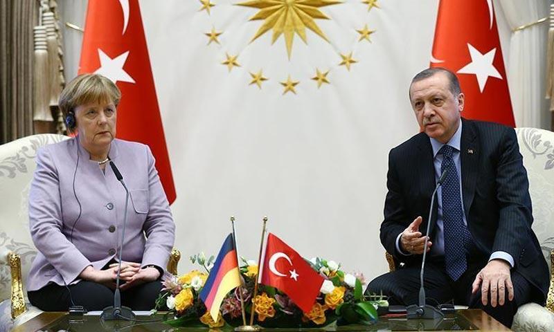الرئيس التركي رجب طيب أردوغان، والمستشارة الألمانية أنغيلا ميركل في أنقرة - 2 شباك 2017 (وكالة الأناضول)