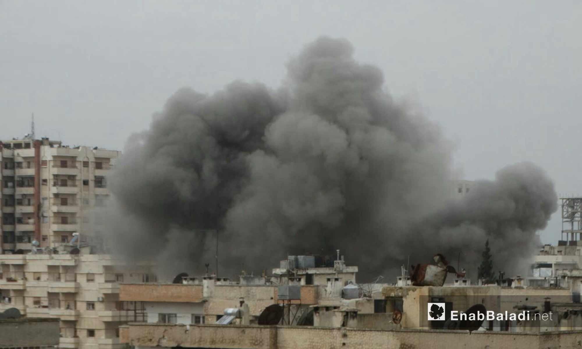 آثار القصف المدفعي والجوي على حي الوعر المحاصر بمدينة حمص_8 شباط 2017_(عنب بلدي)