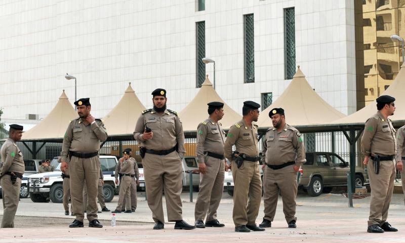 أرشيفية- عناصر من الأمن الداخلي السعودي في الرياض (وكالات)