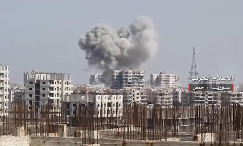 غارات جوية على حي الوعر في مدينة حمص- السبت 25 شباط (يوتيوب)
