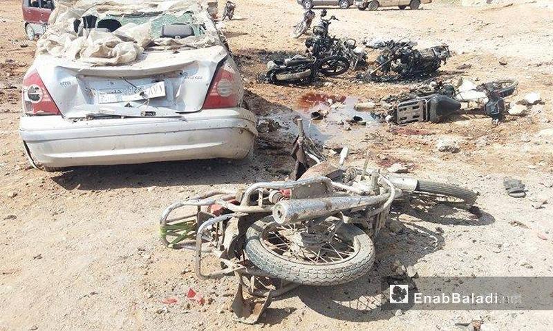 آثار التفجير الانتحاري الذي ضرب تجمع للمدنيين في بلدة سوسيان بريف حلب الشمالي - 24 شباط - (عنب بلدي)