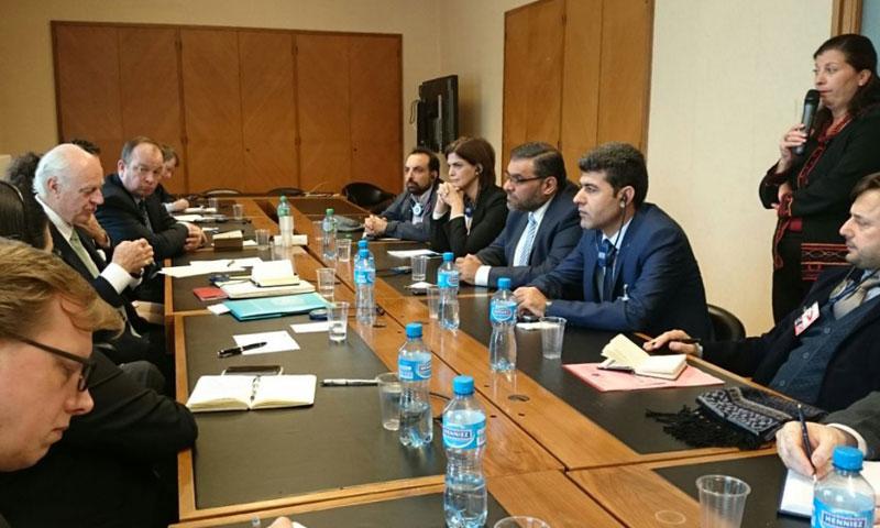 تعبيرية: لقاء بين الائتلاف المعارض والمبعوث الدولي إلى سوريا في جنيف- الأربعاء 2 تشرين الثاني 2017 (الائتلاف)