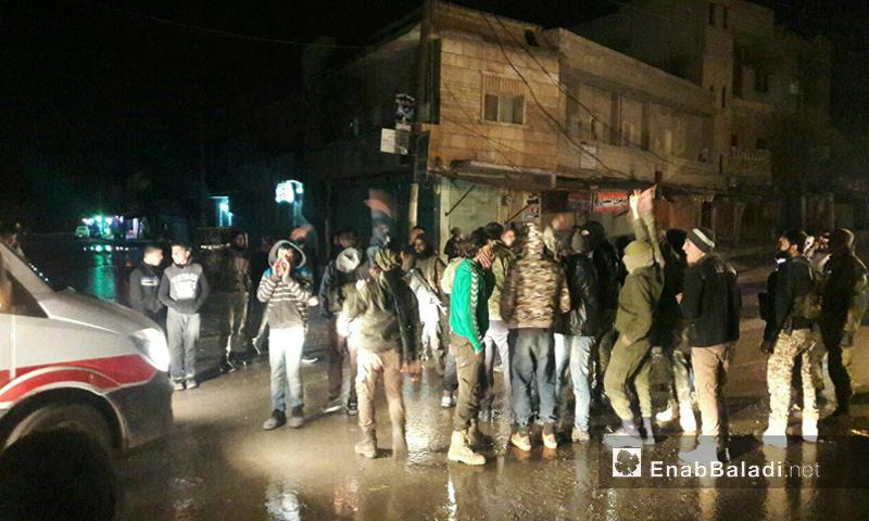 شباب غاضبون من قرار المجلس المحلي في مدينة جرابلس- السبت 11 شباط (عنب بلدي)