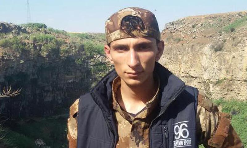 """المقاتل في """"الجيش الحر"""" حسام علي الحاج علي (إنترنت)"""