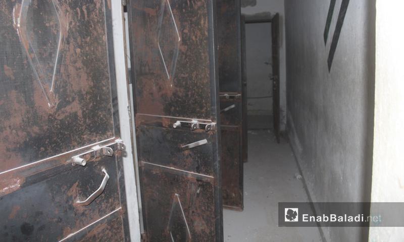 """زنازين سجن تنظيم """"الدولة"""" في مدينة الباب - 27 شباط 2017 (عنب بلدي)"""