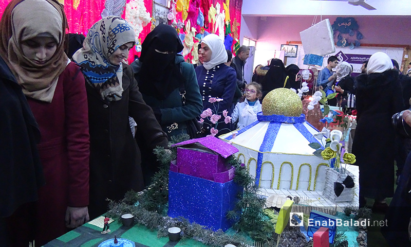 """من معرض مدرسة """"العز بن عبد السلام"""" في إدلب - 16 آذار 2017 (عنب بلدي)"""