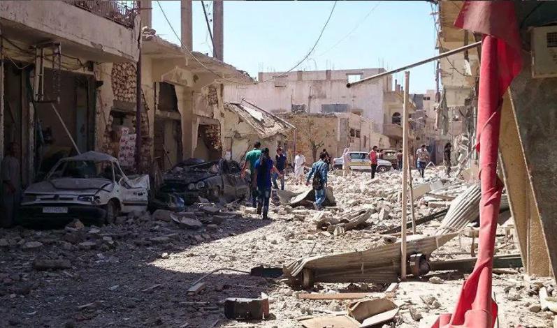 آثار القصف على مدينة الرقة كانون الأول 2016 _(انترنت)