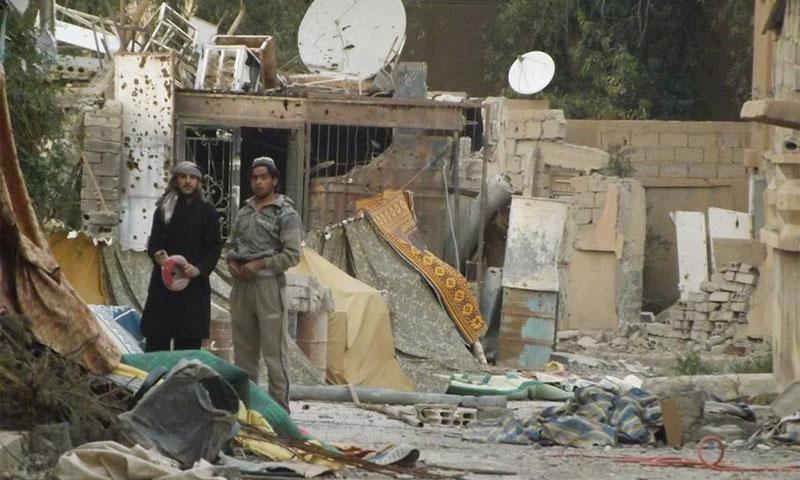 حي العرفي في مدينة دير الزور - آذار 2013 (أرشيف عنب بلدي)