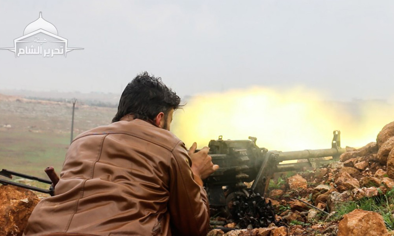 """مقاتل من """"هيئة تحرير الشام"""" على جبهات ريف حلب الغربي - آذار 2017 (هيئة تحرير الشام)"""