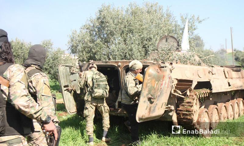 مقاتلون من أحرار الشام في معارك ريف حماة الشمالي - 25 آذار 2017 (عنب بلدي)