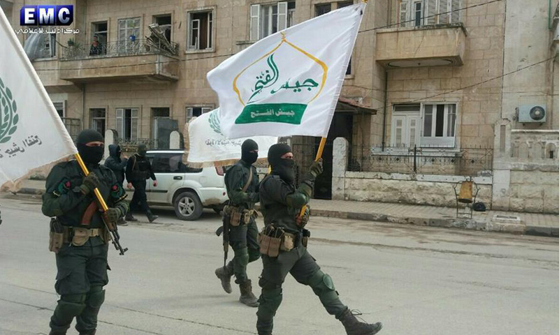 """عناصر من """"القوة الأمنية"""" في إدلب - 13 آذار 2017 (مركز إدلب الإعلامي في فيس بوك)"""