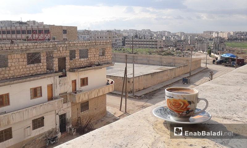 شرفة منزل في مدينة إدلب - 17 آذار 2017- (عنب بلدي)