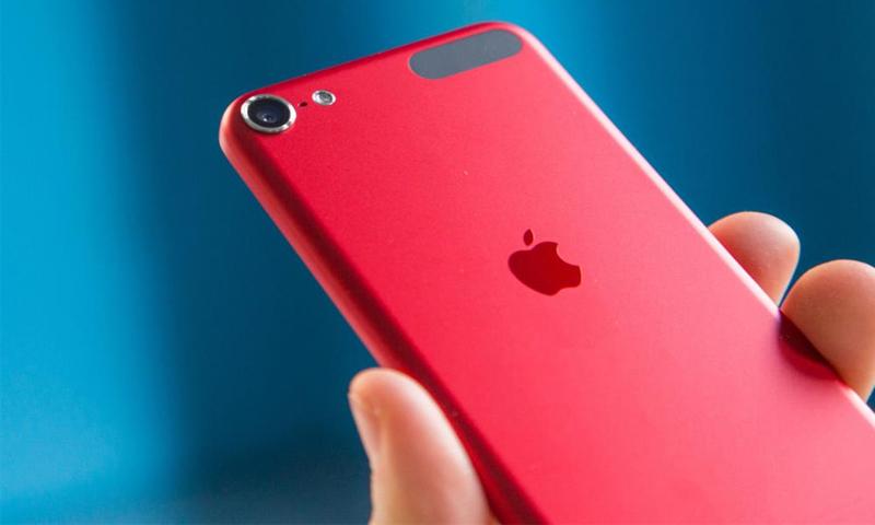 """""""آبل"""" تطلق """"آيفون 7"""" باللون الأحمر - (انترنت)"""