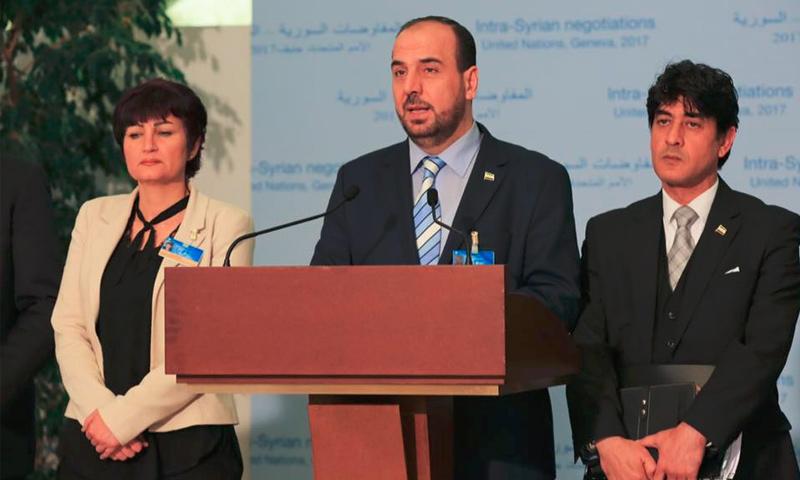 مؤتمر صحفي لوفد المعارضة من جنيف، ومحمد صبرا (يمين الصورة) - 1 آذار 2017 (الهيئة العليا للمفاوضات)