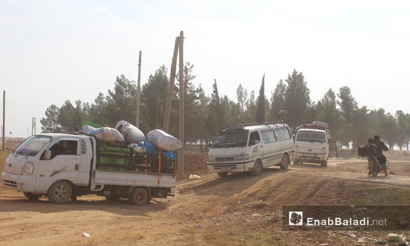 نزوح الأهالي من مناطق تنظيم الدولة في ريف حلب إلى مناطق الجيش الحر_كانون الثاني 2017_( عنب بلدي)