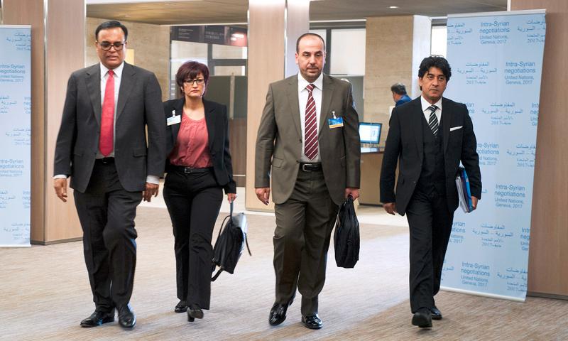 """تعبيرية: وفد """"الهيئة العليا"""" للمفاوضات في جنيف - 27 آذار 2017 (الأمم المتحدة)"""