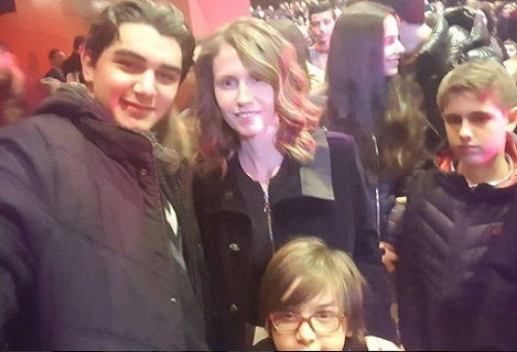 أبناء سلاف فواخرجي مع زوجة الأسد أسماء (فيس بوك)