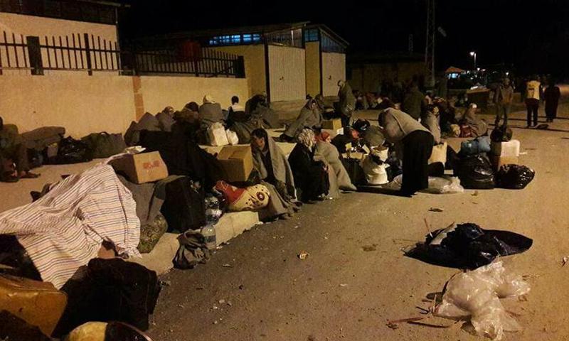 أهالي الفوعة وكفريا في شوارع مدينة حسياء بريف حمص - (صفحات موالية)