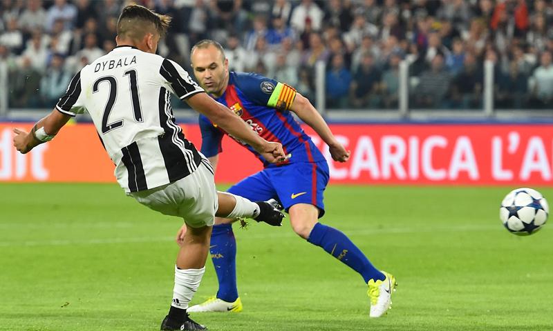 ديبالا يسجل الهدف الأول في شباك برشلونة في مباراة الذهاب (goal.com)