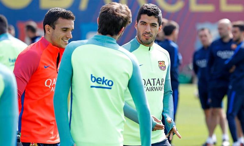 تدريب لاعبي برشلونة قبل الكلاسيكو (FC Barcelona فيس بوك)