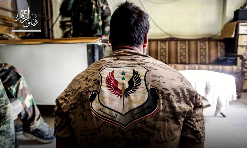 أسير من قوات الأسد بيد عناصر من فصيل فيلق الرحمن - 26 نيسان - (فيلق الرحمن)