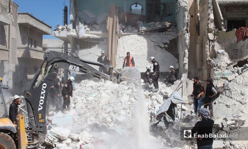 تعبيرية: ضحايا أطفال ونساء ودمار في منازل المدنيين جراء قصف الطيران الحربي مدينة إدلب - 19 آذار 2017 (عنب بلدي)