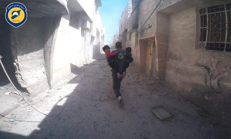 آثار القصف على مدينة دوما في الغوطة الشرقية - 16 نيسان 2017 (الدفاع المدني)