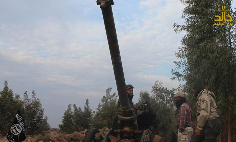 مقاتلون من جيش خالد بن الوليد في منطقة حوض اليرموك بدرعا- كانون الثاني 2017-(جيش خالد)