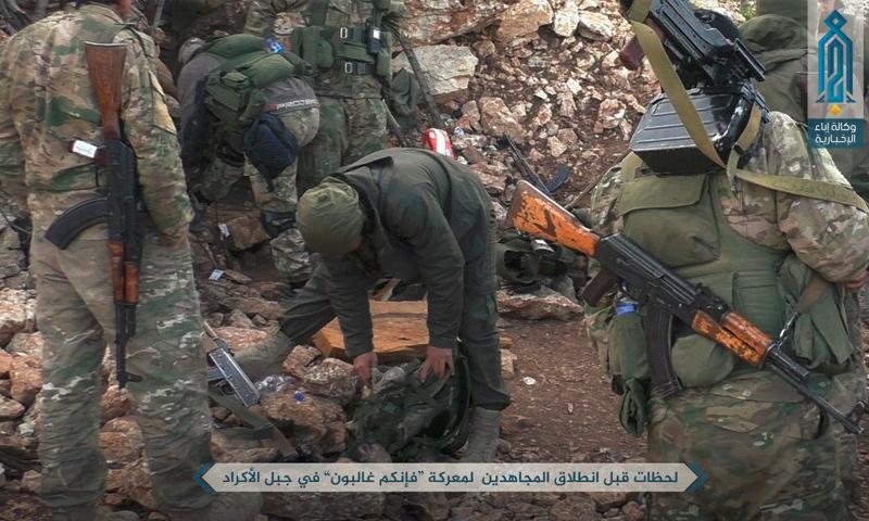 مقاتلون في معارك اللاذقية - 6 نيسان 2017 (هيئة تحرير الشام)