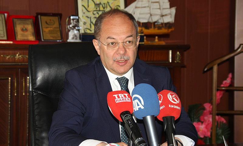 وزير الصحة التركي رجب أك داغ (الأناضول)