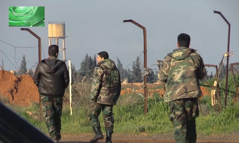 """ضباط للنظام في مطار """"الشعيرات"""" جنوب شرق حمص- نيسان 2017 (وكالة روسية)"""