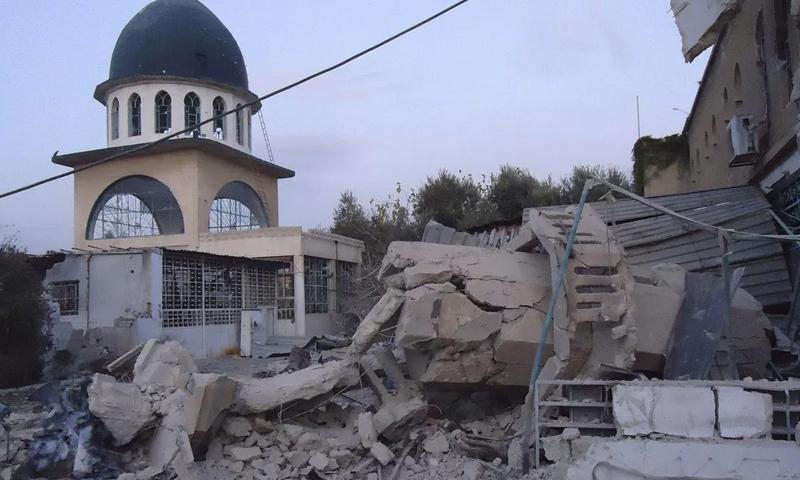 مسجد مدمر إثر المعارك بين تنظيم الدولة وفصائل الجيش الحر في ريف حلب الشمالي - (انترنت)