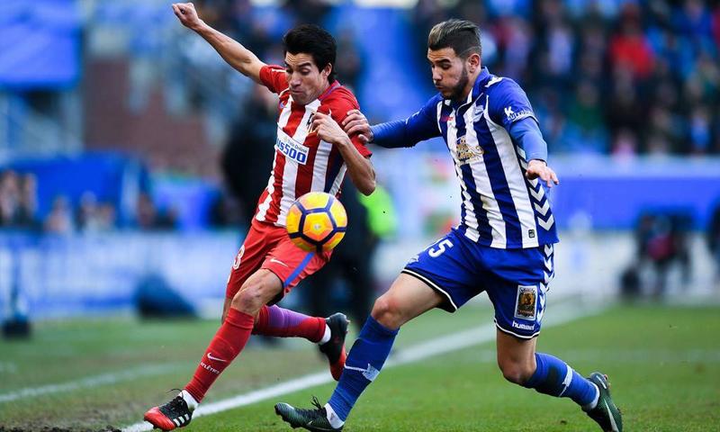 اللاعب الفرنسي تيو فرنانديز (على يمين الصورة) - (انترنت)