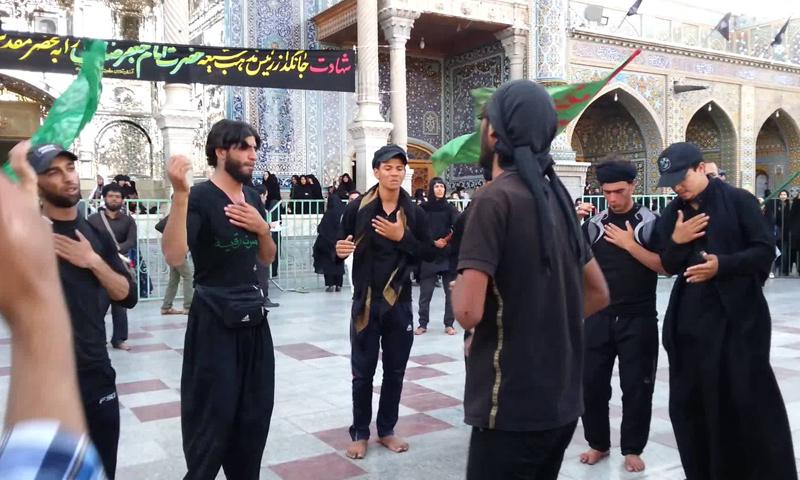 عناصر من ميليشيات عراقية في ساحة السيدة زينب بدمشق - (انترنت)