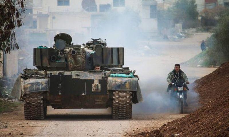 دبابة لفصائل المعارضة السورية في أحياء درعا البلد - كانون الثاني 2017 - (AFP)