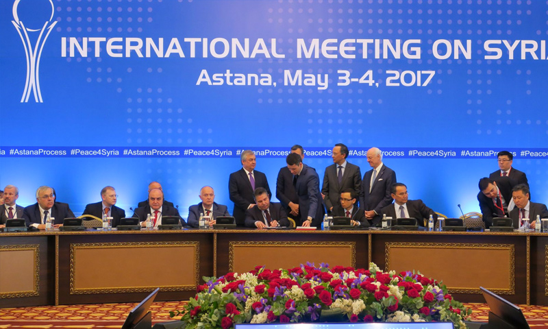 """توقيع البيان الختامي لمحادثات """"أستانة 4"""" - 4 أيار 2017 (AFP)"""