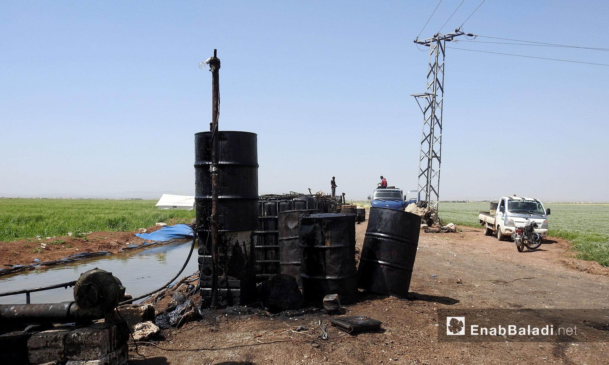 عملية تكرير النفط اليدوية في ريف حلب الشمالي - 10 أيار 2017 (عنب بلدي)
