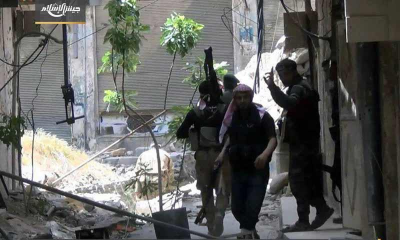 عناصر من جيش الإسلام في محيط حي القابون بريف دمشق الشمالي الشرقي - 2 أيار 2017 - (جيش الإسلام)