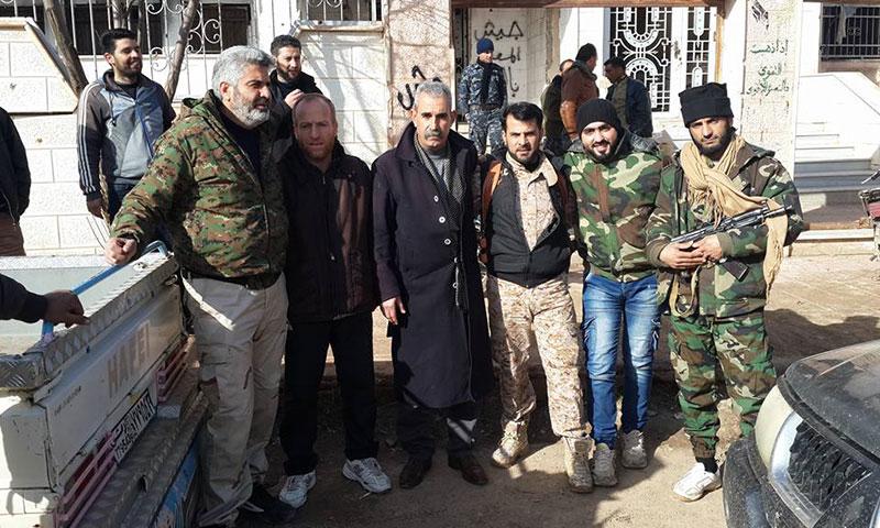 أعضاء من المجلس المحلي والعسكري في طفس (فيس بوك)