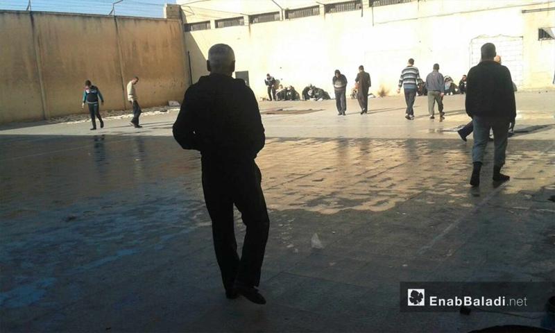 المعتقلون داخل سجن حماة المركزي - 4 كانون الأول 2016 (عنب بلدي)