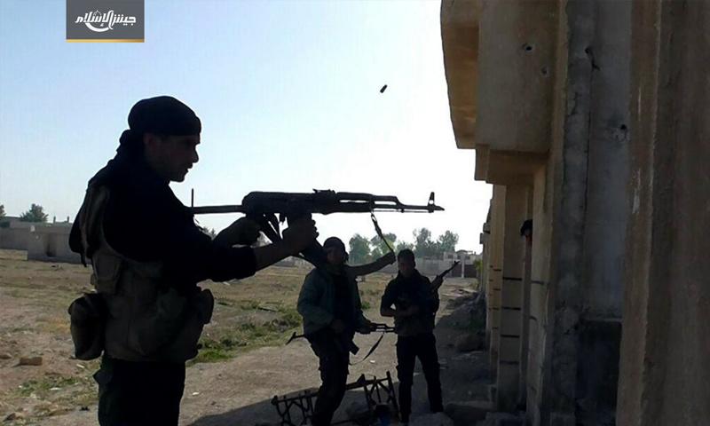 مقاتلو المعارضة على جبهة بيت نايم جنوب الغوطة - 9 أيار 2017 (جيش الإسلام)