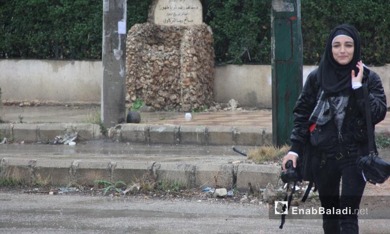 الصحفية جودي عرش- مراسلة عنب بلدي في حي الوعر الحمصي (عنب بلدي)