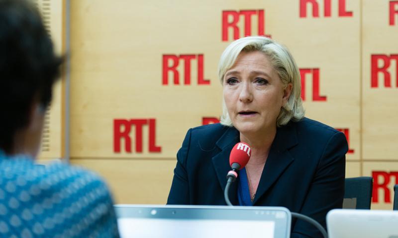 """زعيمة اليمين المتطرف الفرنسي مارين لوبان في لقاء مع راديو """"RTL"""" الفرنسي - الاثنين 29 أيار - (RTL Radio)"""