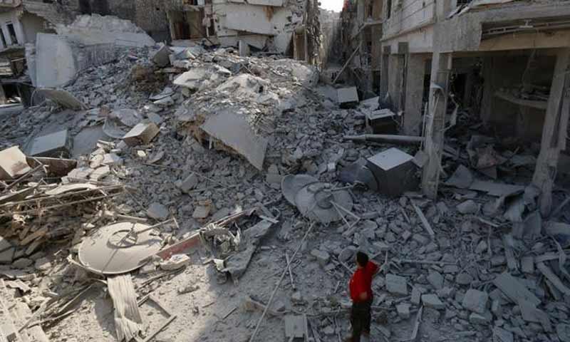 آثار قصف التحالف الدولي على مدينة دير الزور شرق سوريا - كانون الأول 2016 - (انترنت)