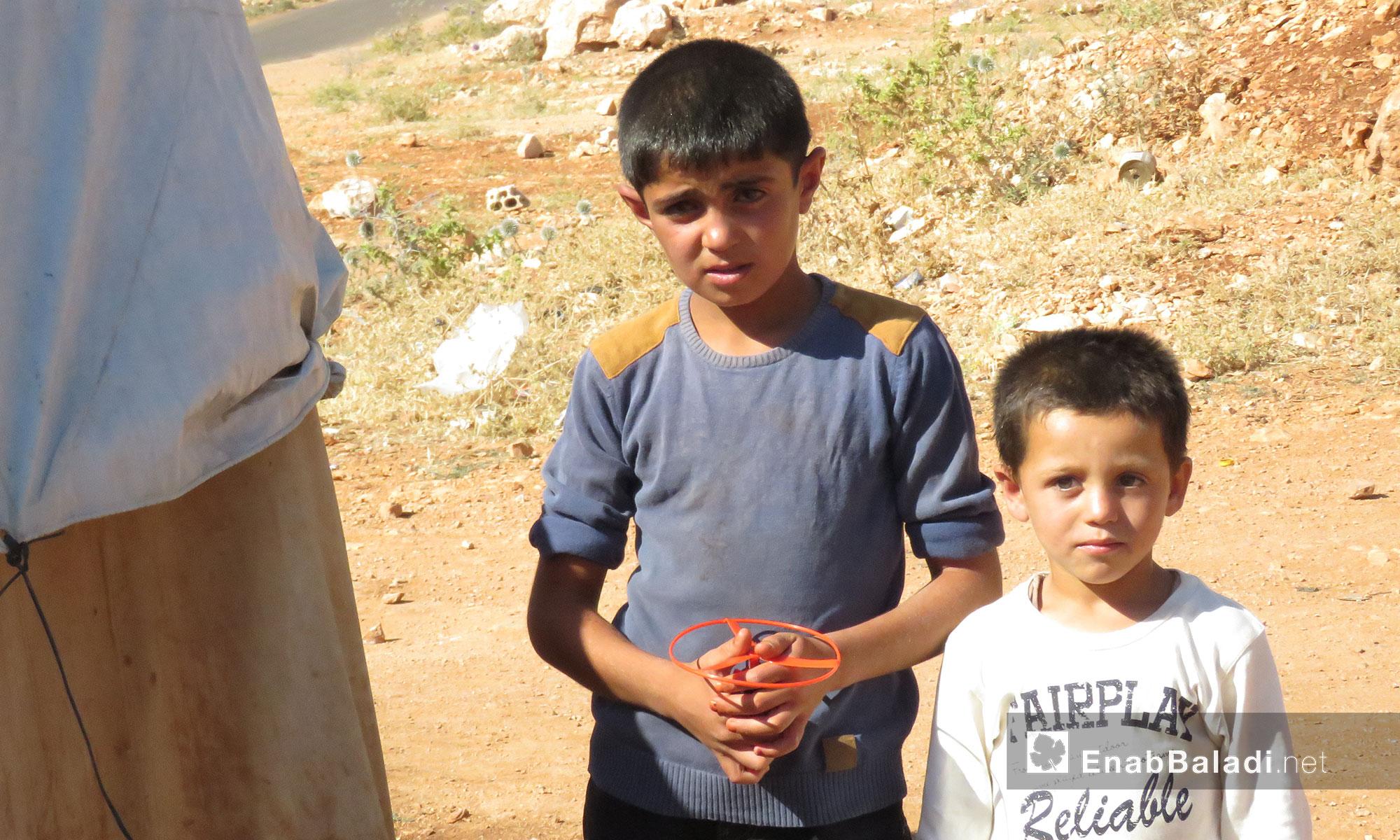 أطفال ريف حماة ثاني أيام العيد من داخل مخيمات ريف إدلب الجنوبي - 26 حزيران 2017 (عنب بلدي)