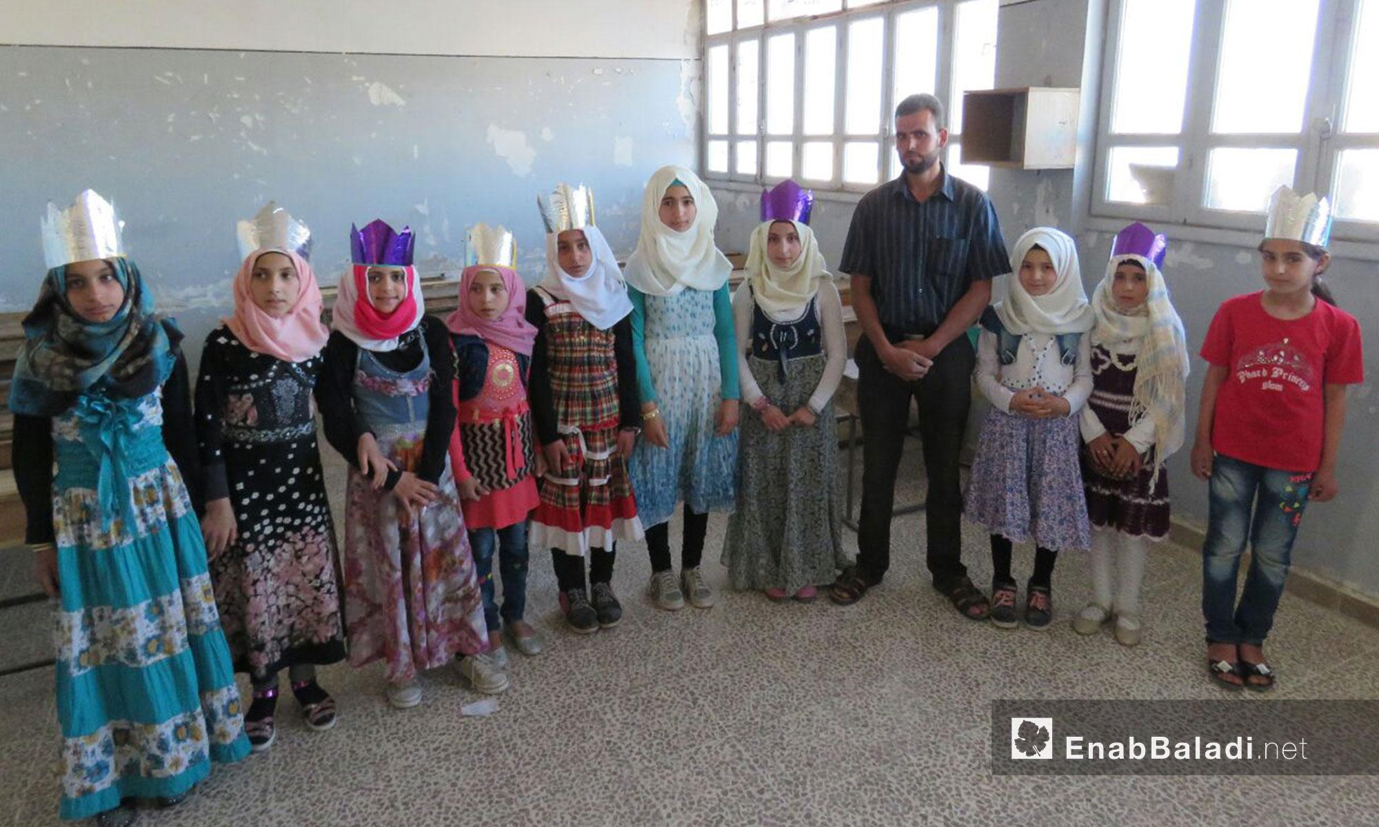 """أقامت مديرية تربية حماة الحرة حفل إفطار في مدرسة """"مجد الشام"""" الخيرية في 7 حزيران 2017 (عنب بلدي)"""