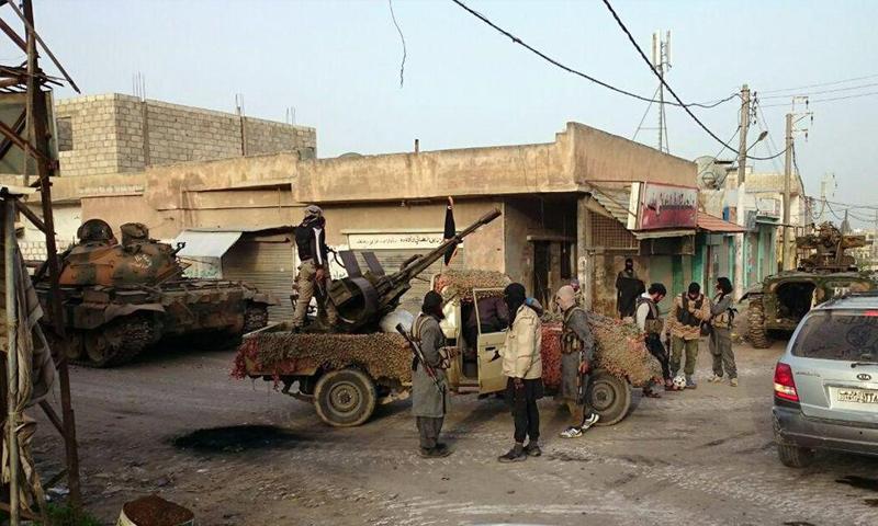 """أرشيفية لعناصر من لواء """"شهداء اليرموك"""" قبل انضوائه في """"جيش خالد""""(تويتر)"""