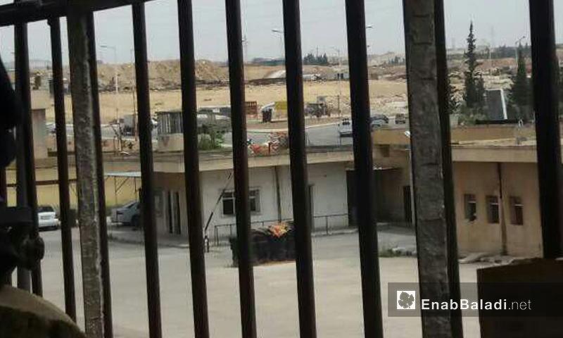 ساحة سجن حماة المركزي كما تبدو من القضبان- الأربعاء 14 حزيران (عنب بلدي)