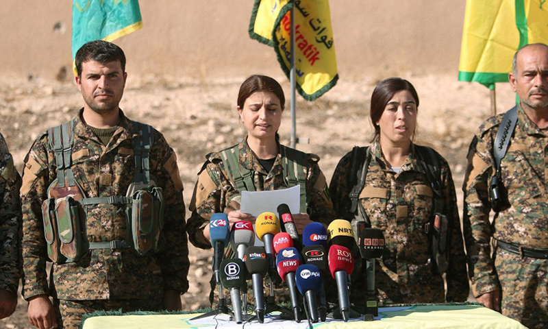 المتحدثة باسم قوات غضب الفرات جيهان أحمد أثناء قراءة بيان إعلان المعركة - 6 حزيران - (قسد)
